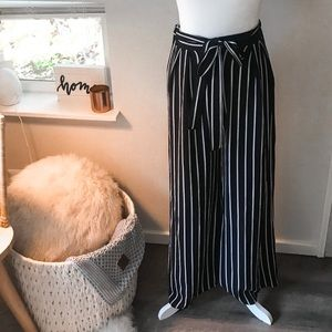 Wide Leg, high waisted trouser